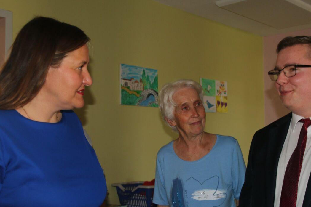 Im Gespräch Tony Sieg , Manja Schüle und Frau Pohlandt